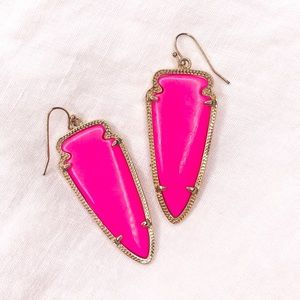 Kendra Scott Skylar earring in hot pink